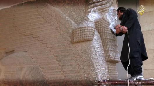 destruccic3b3n-museo-de-mosul-26-febrero-20151