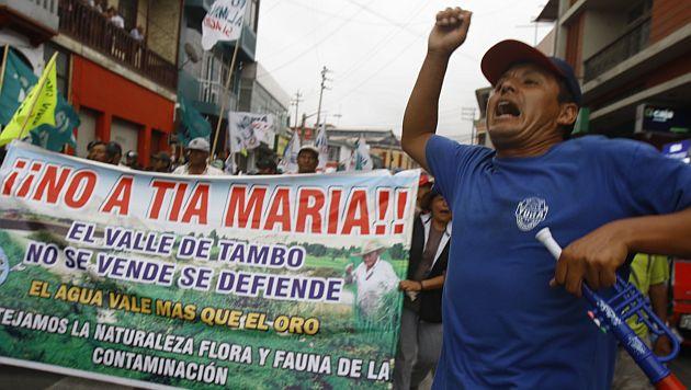 GREMIOS SINDICALES Y AGRICULTORES DEL VALLE DEL TAMBO CONTINUAN EN HUELGA EN PROTESTA CONTRA EL PROYECTO MINERO TIA MARIA. LA POLICIA ESTUVO SIGUIENDO DE CERCA LA MARCHA.