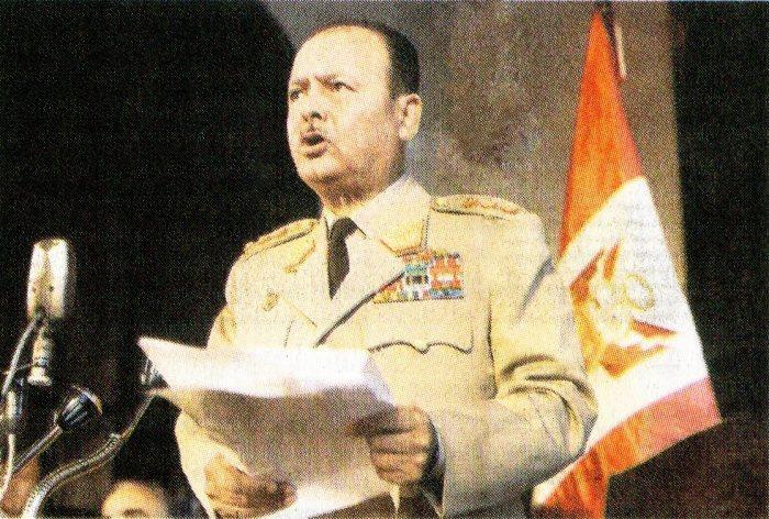 1. El general Juan Velasco Alvarado anuncia al país el inicio de la revolución peruana no capitalista ni comunista