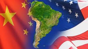 america-latina-sobre-bandera-usa