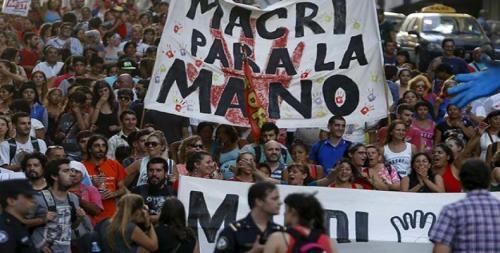 7278-protestas-argentina-despidos-macri_-_radio