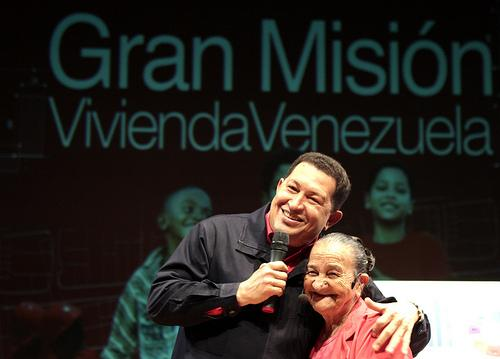 mision_vivienda_con_chavez