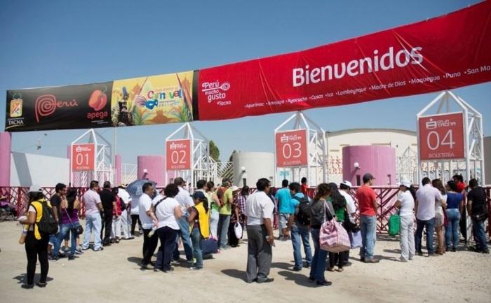 2. Miles de ariqueños ingresan diariamente a Tacna a realizar compras y recibir servicios