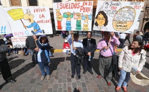 huelga-maestros-peru